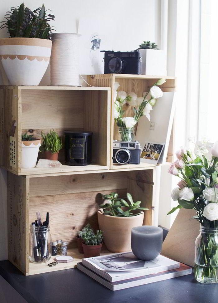 Tính linh hoạt của kệ trang trí hoa tách rời, nhỏ gọn, đặt được trên bàn học hoặc bệ cửa sổ